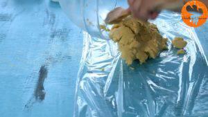 Đam Mê Ẩm Thực Thêm-đường-và-đánh-đều-3-5-phút-cho-đến-khi-tơi-chiết-suất-vani-1-lòng-đỏ-trứng-muối-bột-mì-và-khuấy-đều-đến-khi-hỗn-hợp-hòa-tan.-14-300x169