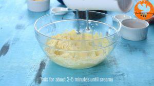 Đam Mê Ẩm Thực Thêm-đường-và-đánh-đều-3-5-phút-cho-đến-khi-tơi-chiết-suất-vani-1-lòng-đỏ-trứng-muối-bột-mì-và-khuấy-đều-đến-khi-hỗn-hợp-hòa-tan.-4-300x169