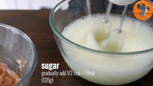Đam Mê Ẩm Thực Thêm-đường-và-tiếp-tục-đánh-đều-cho-đến-khi-có-dạng-kem-300x169