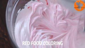 Đam Mê Ẩm Thực Thêm-2-giọi-màu-đỏ-thực-phẩm-và-tiếp-tục-đánh-đều3-300x169