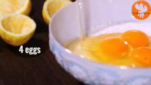 Đam Mê Ẩm Thực Thêm-4-quả-trứng-và-trộn-cho-đến-khi-quyện-đều-300x169
