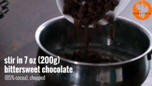 Đam Mê Ẩm Thực Thêm-Chocolate-và-khuấy-đều-cho-đến-khi-quyện-đều-300x169