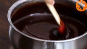 Đam Mê Ẩm Thực Thêm-Chocolate-và-khuấy-đều-cho-đến-khi-quyện-đều3-300x169