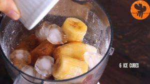 Đam Mê Ẩm Thực Thêm-sữa-chua-sữa-tươi-bí-ngô-xay-nhuyễn-táo-chuối-bột-quế-bột-hạt-nhục-đậu-khấu-chiết-suất-vani-mật-ong-6-viên-đá-và-xay-cho-đến-khi-nhuyễn3-300x169