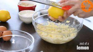 Đam Mê Ẩm Thực Thêm-vỏ-từ-1-quả-chanh-tây-bột-mì-đa-dụng-hạt-óc-chó-đã-xay-nhỏ-và-trộn-đều-cho-đến-khi-quyện-đều-300x169