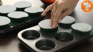 Đam Mê Ẩm Thực lót-giấy-cupcake-vào-khuôn-300x169