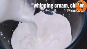 Đam Mê Ẩm Thực Cho-1-14-cup-300g-kem-Whipping-vào-bát-và-đánh-bông-cho-đến-khi-có-dạng-kem5-300x169