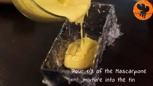 Đam Mê Ẩm Thực Cho-13-hỗn-hợp-kem-Mascarpone-ở-bước-4-vào-khuôn-đã-lót-màng-bọc-thực-phẩm-và-trải-đều2