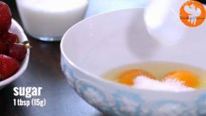 Đam Mê Ẩm Thực Cho-3-quả-trứng-đường-kính-muối-vào-bát-và-khuấy-đều-1-300x169