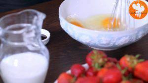 Đam Mê Ẩm Thực Cho-3-quả-trứng-đường-kính-muối-vào-bát-và-khuấy-đều-3-300x169