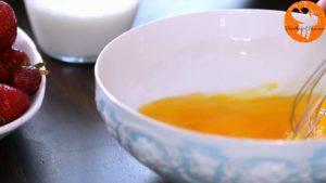 Đam Mê Ẩm Thực Cho-3-quả-trứng-đường-kính-muối-vào-bát-và-khuấy-đều-4-300x169