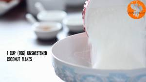 Đam Mê Ẩm Thực Cho-bột-mì-đa-dụng-dừa-nạo-nhỏ-bột-Baking-powder-bột-Baking-soda-muối-bột-quế-vào-bát-và-trộn-đều2