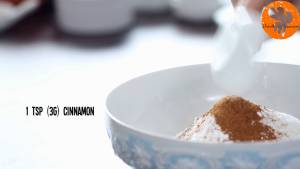 Đam Mê Ẩm Thực Cho-bột-mì-đa-dụng-dừa-nạo-nhỏ-bột-Baking-powder-bột-Baking-soda-muối-bột-quế-vào-bát-và-trộn-đều6