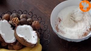 Đam Mê Ẩm Thực Cho-bột-mì-đa-dụng-dừa-nạo-nhỏ-bột-Baking-powder-bột-Baking-soda-muối-bột-quế-vào-bát-và-trộn-đều7