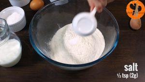 Đam Mê Ẩm Thực Cho-bột-mì-đa-dụng-muối-13-cup-60g-đường-vào-bát-và-trộn-đều2