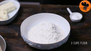 Đam Mê Ẩm Thực Cho-bột-mì-đa-dụng-muối-bột-Baking-powder-vào-bát-và-trộn-đều