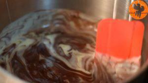 Đam Mê Ẩm Thực Cho-chocolate-sữa-đặc-có-đường-vào-nồi-đun-và-khuấy-cho-đến-khi-quyện-đều4-300x169