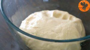 Đam Mê Ẩm Thực Cho-dầu-ăn-thực-vật-vào-bát-to-ủ-bột-và-láng-đều-toàn-bộ-mặt-bát6-300x169