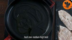 Đam Mê Ẩm Thực Cho-dầu-oliu-vào-chảo-để-lửa-nhỏ1