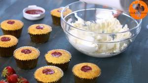 Đam Mê Ẩm Thực Cho-kem-Mascarpone-kem-Cream-cheese-vào-bát-và-đánh-cho-đến-khi-quyện-đều-6