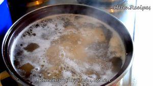 Đam Mê Ẩm Thực Cho-khoai-môn-vào-nồi-ở-bước-3-và-nấu-cho-đến-khi-khoai-mềm2