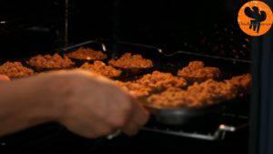 Đam Mê Ẩm Thực Cho-khuôn-vào-lò-và-nướng-trong-25-30-phút-300x169