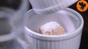 Đam Mê Ẩm Thực Cho-men-tươi-1-tsp-5g-đường-vào-bát.-Nghiền-và-khuấy-cho-đến-khi-có-dạng-lỏng2
