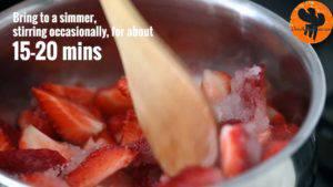 Đam Mê Ẩm Thực Cho-quả-dâu-tây-đã-loại-bỏ-cuống-và-cắt-nhỏ-đường-vào-nồi.-Đun-với-lửa-vừa-khuấy-đều-và-ép-trong-15-20-phút-cho-đến-khi-nhuyễn5-300x169