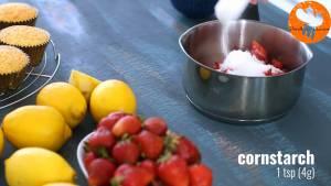 Đam Mê Ẩm Thực Cho-quả-dâu-tây-đã-thái-lát-đường-kính-bột-ngô-nước-ép-chanh-vào-nồi-đun-20-25-phút-cho-đến-khi-hỗn-hợp-sánh-mịn-4