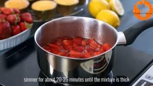 Đam Mê Ẩm Thực Cho-quả-dâu-tây-đã-thái-lát-đường-kính-bột-ngô-nước-ép-chanh-vào-nồi-đun-20-25-phút-cho-đến-khi-hỗn-hợp-sánh-mịn-8