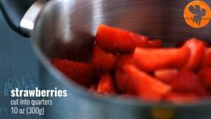 Đam Mê Ẩm Thực Cho-quả-dâu-tây-đã-thái-lát-đường-kính-bột-ngô-nước-ép-chanh-vào-nồi-đun-20-25-phút-cho-đến-khi-hỗn-hợp-sánh-mịn