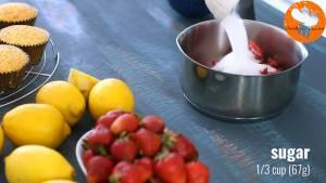 Đam Mê Ẩm Thực Cho-quả-dâu-tây-đã-thái-lát-đường-kính-bột-ngô-nước-ép-chanh-vào-nồi-đun-20-25-phút-cho-đến-khi-hỗn-hợp-sánh-mịn1