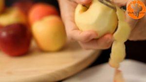 Đam Mê Ẩm Thực Gọt-bỏ-vỏ-táo-thái-lát-và-bỏ-hạt