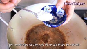 Đam Mê Ẩm Thực Hòa-1-thìa-bột-năng-với-2-thìa-nước-lọc-rồi-cho-vào-chảo-để-làm-nước-sốt-đặc