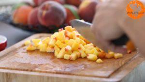 Đam Mê Ẩm Thực Loại-bỏ-vỏ-và-hạt.-Thái-nhỏ-hạt-lựu-và-cho-vào-bát-3-300x169