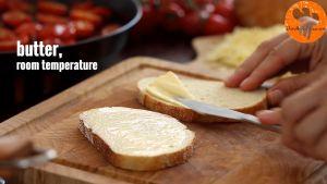 Đam Mê Ẩm Thực Phết-đều-bơ-lạt-lên-mặt-bánh-mì-gối