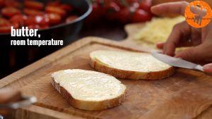 Đam Mê Ẩm Thực Phết-đều-bơ-lạt-lên-mặt-bánh-mì-gối2