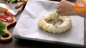 Đam Mê Ẩm Thực Phết-đều-trứng-đã-đánh-lên-mặt-lớp-bột