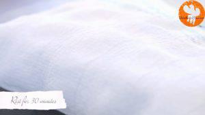 Đam Mê Ẩm Thực Phủ-khăn-kín-mặt-khuôn-và-để-bột-nghỉ-trong-30-phút-300x169