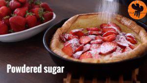 Đam Mê Ẩm Thực Rắc-đường-bột-và-cắt-bánh-cho-ra-đĩa-thưởng-thức-300x169
