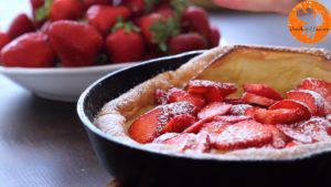 Đam Mê Ẩm Thực Rắc-đường-bột-và-cắt-bánh-cho-ra-đĩa-thưởng-thức1-300x169