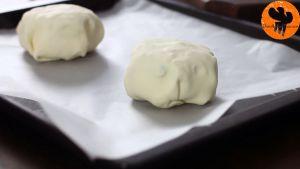 Đam Mê Ẩm Thực Sau-đó-cho-bánh-ra-khay-có-lót-sẵn-giấy-nến