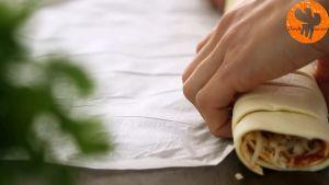 Đam Mê Ẩm Thực Sau-đó-cuộn-miếng-bột-ngàn-lớp-và-xếp-thành-vòng-vào-khay-đã-lót-giấy-nến4