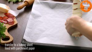 Đam Mê Ẩm Thực Sau-đó-cuộn-miếng-bột-ngàn-lớp-và-xếp-thành-vòng-vào-khay-đã-lót-giấy-nến5