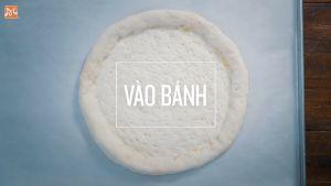 Đam Mê Ẩm Thực Sau-1-tiếng-ủ-Cho-bột-vào-khay-đã-lót-giấy-nến-và-lấy-dĩa-xiên-đều-lên-mặt-bột