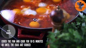 Đam Mê Ẩm Thực Sau-10-15-phút-thêm-6-quả-trứng-và-đậy-vung-đun-thêm-trong-10-15-phút-cho-đến-khi-trứng-chín2