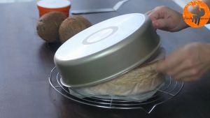 Đam Mê Ẩm Thực Sau-15-phút-tách-bánh-ra-khỏi-khuôn-và-loại-bỏ-giấy-nến