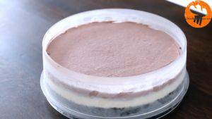 Đam Mê Ẩm Thực Sau-khi-bánh-đã-thành-kem-lấy-bánh-ra-và-trải-đều-lớp-phủ-Chocolate-ở-bước-12-300x169