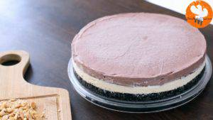 Đam Mê Ẩm Thực Sau-khi-bánh-đã-thành-kem-lấy-bánh-ra-và-trải-đều-lớp-phủ-Chocolate-ở-bước-14-300x169