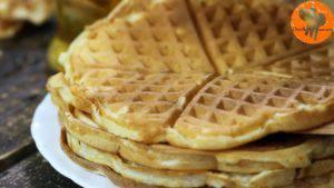 Đam Mê Ẩm Thực Sau-khi-bánh-chín-có-màu-vàng-nâu-cho-bánh-ra-đĩa-và-cứ-làm-như-thế-cho-đến-khi-hết-bột9-1-300x169